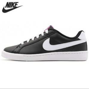Nike Majestic Sneakers